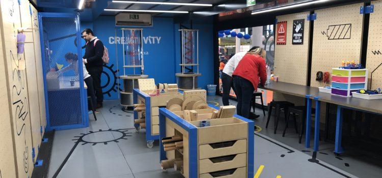 La Caixa trae a Navival 'Creactivity', bus itinerante de arte y tecnología