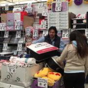 Decoración Redondo participa en la Feria del Stock con su amplia gama textiles para el hogar